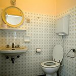 Bagno camera tre letti