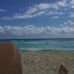 La playa en ME Cancun