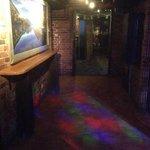 NZ hallway between Street bar and nightclub