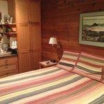 room stream side cabins