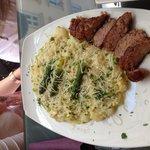 Hmmmm Spargel mit Reis und italienische Wurst ;)