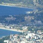 vista desde la confitería del centro de Bariloche (con zoom)