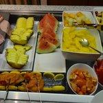 朝食 フルーツとデザート