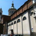 Basilica dI San Martino a Magenta, scorcio del fianco
