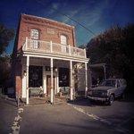 Jack London Lodge Bar
