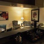 Loungeroom & kitchette/bar