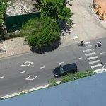 Дорога перед отелем,практически пустая)))