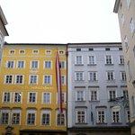 facciata della casa natale di Mozart