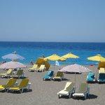 Praia em frente ao Hotel Mediterranean