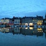 the village of Honfleur