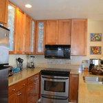 Full Kitchen #306