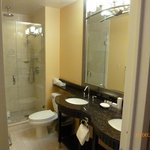Bathroom premier king room