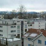 Drei Linden - Blick auf Berge aus Zimmer 57
