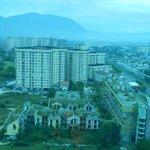 Vista de Sarajevo a partir do restaurante giratório do hotel