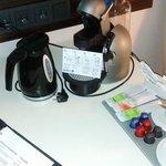 Wasserkocher und Kaffee Kapselmaschine