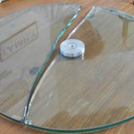 mesa de luz de vidrio