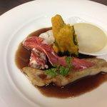 Homard et turbot sauce civet royal de topinambour et tempura de feuille de mélisse