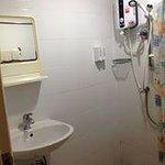 シャワー室&トイレ