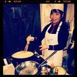 Наблюдаем за процессом приготовления блюд