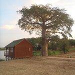 un bungalow bord de lac