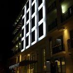 Facade hôtel de nuit