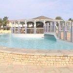 La piscina ed il Bar