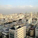 Blick auf Tel Aviv aus dem Zimmer am Tag