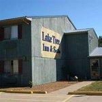 Laketree Inn & Suites Foto