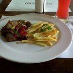 Almorzando en El Bistro