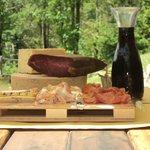 Tagliere di salumi e formaggi tipici