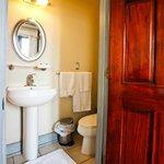 Room 1-4 Bathroom