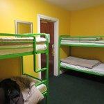 10-person room