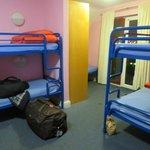9-person room