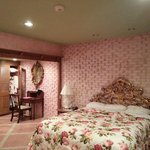 Rose Room - Bed
