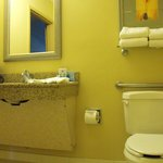 Room 119 - accessible bathroom