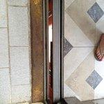 Las entrada al elevador....oxidada