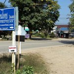 A sign on the main route 1095 directing you the Pai Reaunthai Village.