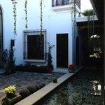 King premier suite courtyard