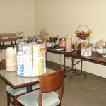 Breakfast room 1