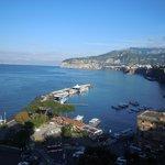 dalla terrazza panoramica a Sorrento