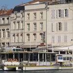 Vue de l'hôtel depuis le vieux port