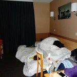 Comedor, cocina, salón dormitorio de hasta tres personas
