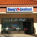 Doug's Seafood resmi