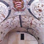 Volta dipinta ad Assisi, Piazza del Comune