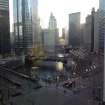Chicago River, Trump & Tribune buildings
