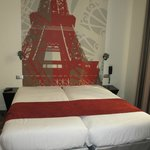 Double bed with decoration Eiffel