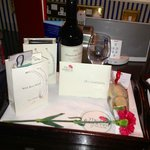 Wine and cards left on arrival