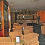 Bar area and lounge