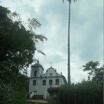 Igreja de Freguesia de Santana e seu famoso coqueiro - Ilha Grande - LimaJr.