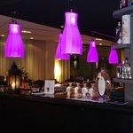Sfeervolle verlichting in de bar/lobby